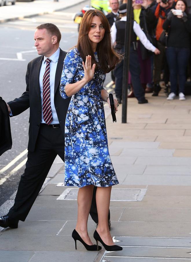 Tập trung vào 6 nguyên tắc này, Công nương Kate cứ mặc đẹp mãi không thôi! 17