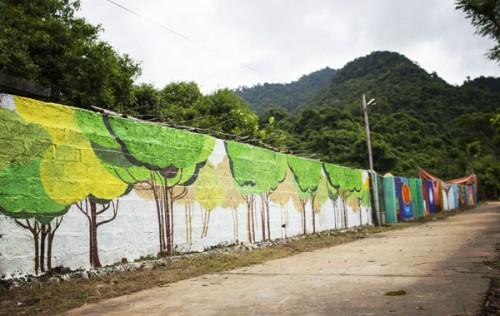 Hình ảnh Độc đáo làng bích họa ở bản làng Hải Sơn số 5