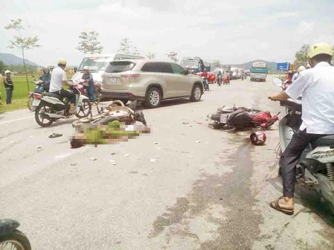 Tai nạn giao thông, người đàn ông mặc sắc phục giống công an tử vong 1