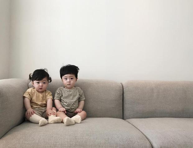 Loạt ảnh ngắm mãi không chán của cặp sinh đôi siêu dễ thương 2
