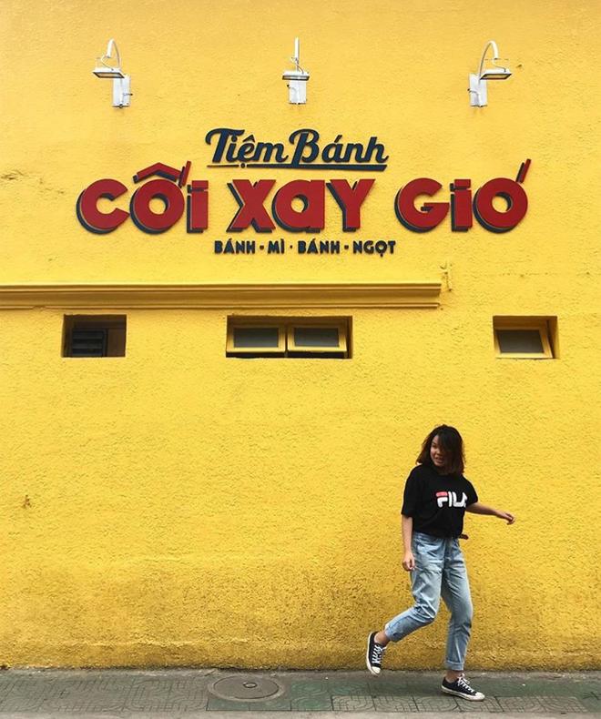 Bức tường vàng này chính là địa điểm check-in hot nhất Đà Lạt hiện tại! 11