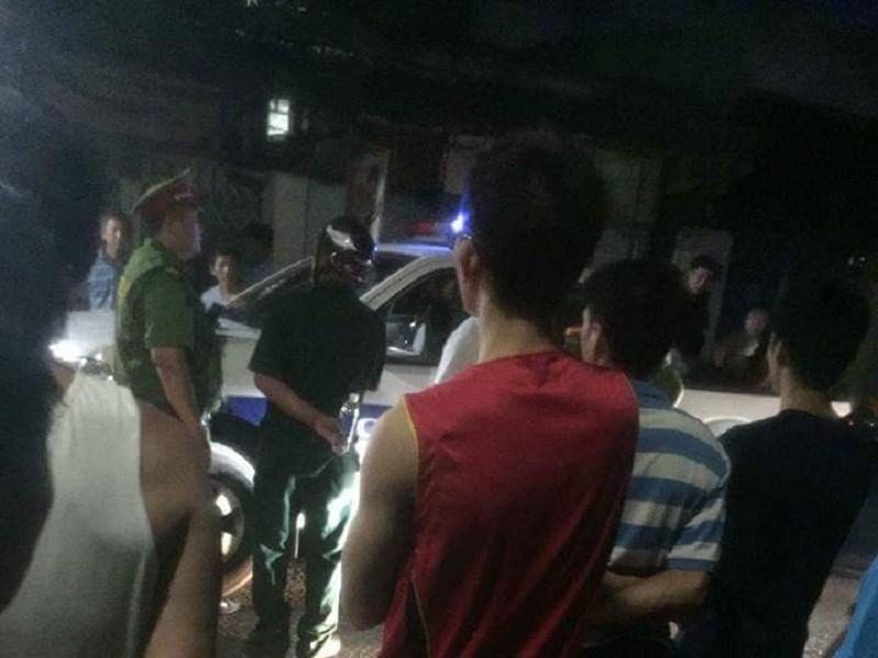 3 ô tô chở 20 người mang hung khí từ Sài Gòn xuống Biên Hòa đòi nợ 1