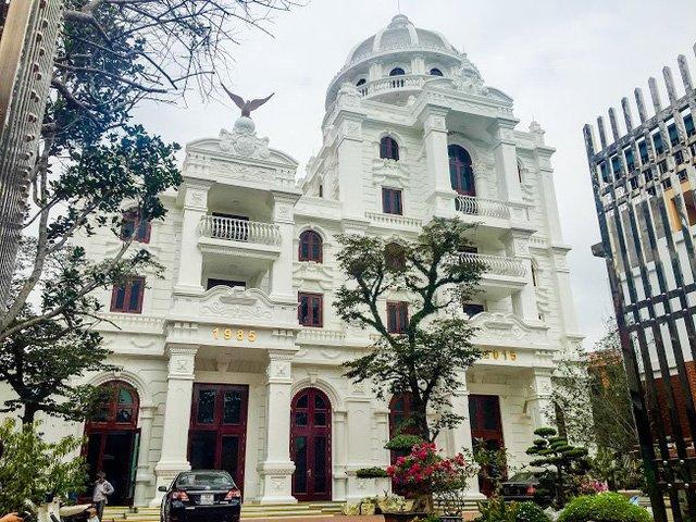Choáng ngợp trước những căn biệt thự xa hoa của nữ đại gia Việt 3