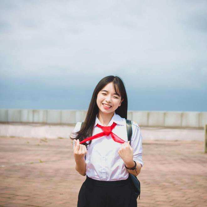 Nữ sinh Hà Nội tốt nghiệp xuất sắc khoa Triết học với khóa luận 10 điểm 6
