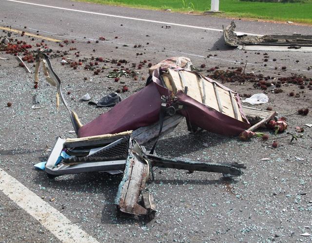 Cận cảnh vụ tai nạn kinh hoàng 5 người tử vong ở Bình Định 3