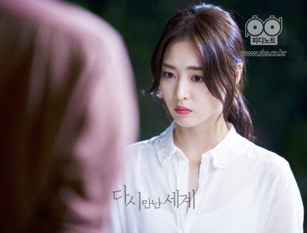 5 sắc son ấn tượng nhất được sao Hàn lăng xê trong các drama gần đây 10