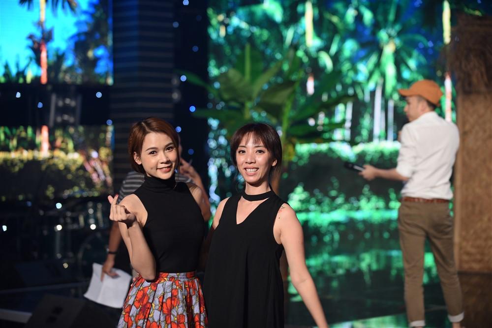 Dương Triệu Vũ – Thu Trang mời hot girl Sam phụ diễn cho Đức Vĩnh – Quỳnh Anh 2