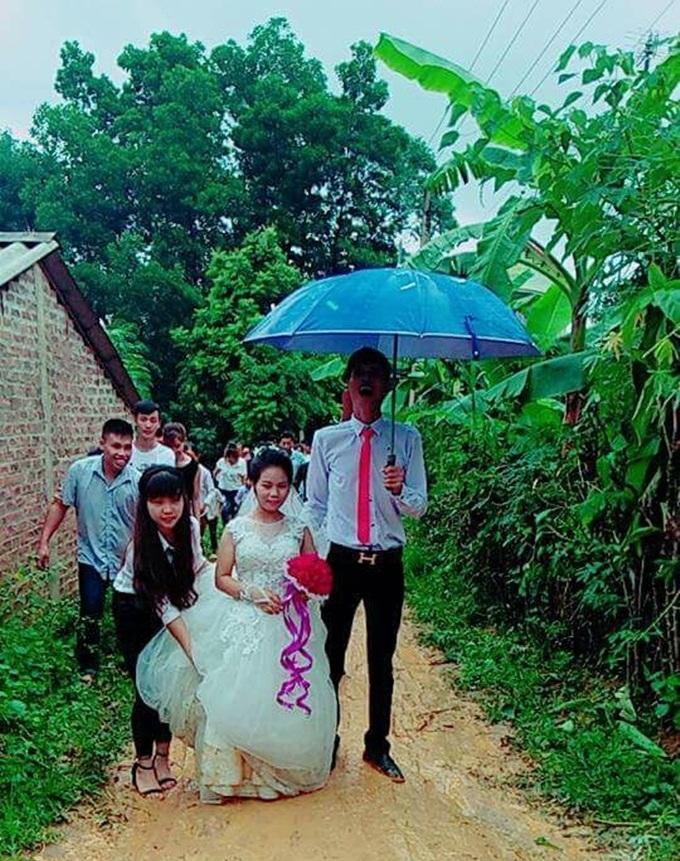 Xôn xao đám cưới của cặp đôi có chiều cao chênh nhau nửa mét 1