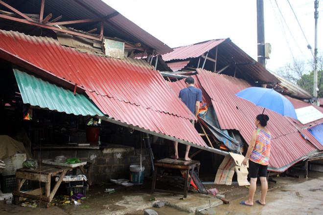 3 người chết, gần 400 ngôi nhà bị hư hỏng sau bão số 6 1