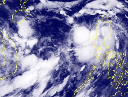 Bão Pakhar tăng tốc, Biển Đông xuất hiện thêm áp thấp nhiệt đới 1