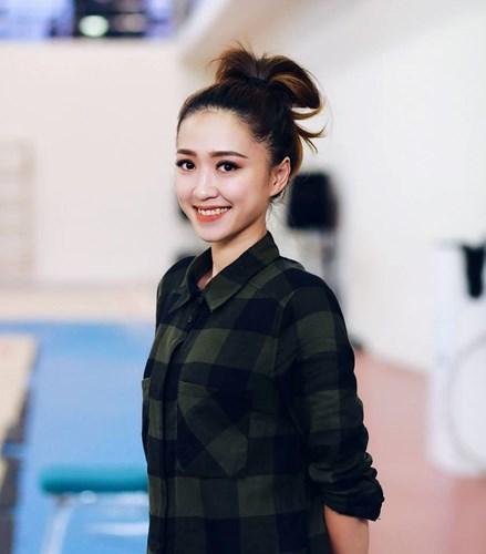 HLV thể dục nghệ thuật Việt xinh như hotgirl tại SEA Games 10