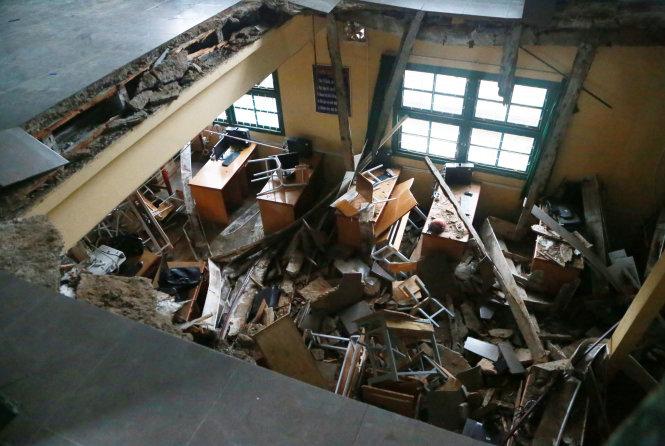 Sập sàn phòng học 60 năm tuổi ở Đà Lạt, 10 học sinh nhập viện 2