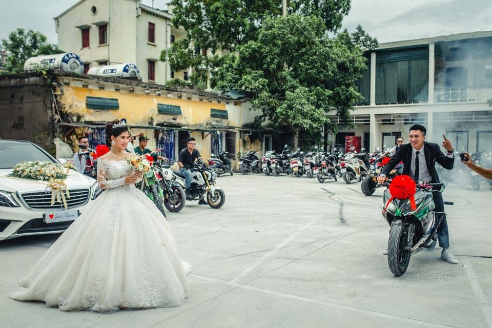 Choáng ngợp đám rước dâu được hộ tống bằng dàn xe phân khối lớn 4