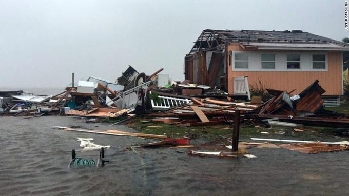 Siêu bão tàn phá bang Texas, Tổng thống Trump tuyên bố thảm họa 6