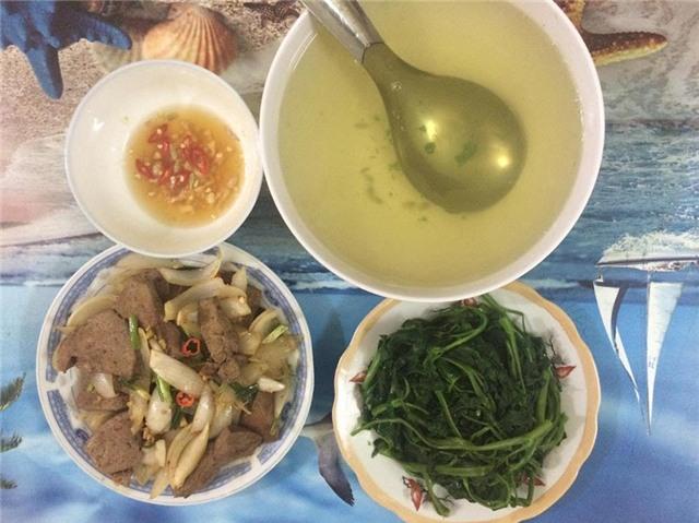 Bữa cơm tự nấu cho 2 người chỉ từ 8.000 - 25.000đ, vừa ngon vừa rẻ phù hợp với sinh viên 10