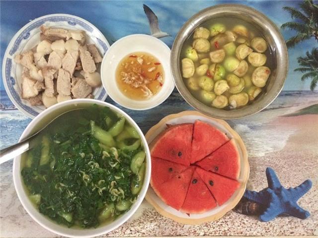 Bữa cơm tự nấu cho 2 người chỉ từ 8.000 - 25.000đ, vừa ngon vừa rẻ phù hợp với sinh viên 12