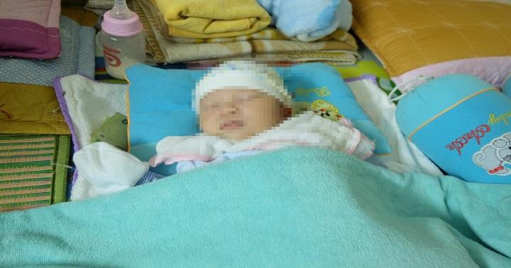 Người mẹ bỏ rơi con 14 ngày tuổi cùng lá thư và 1 triệu đồng đã quay trở về đón bé 1