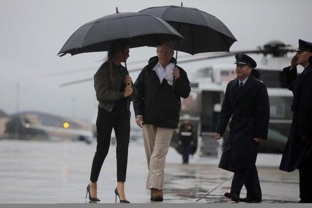 Bão Harvey: Tổng thống Trump đến vùng tâm bão lũ ở Texas  1