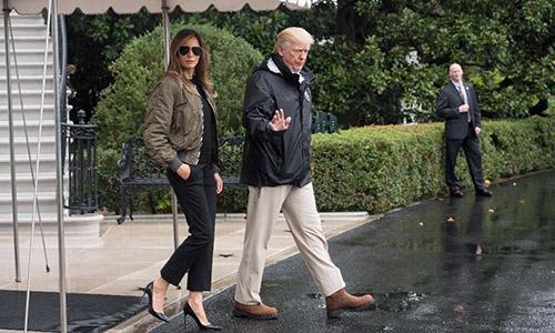 Hình ảnh Đệ nhất phu nhân Mỹ bị chỉ trích vì ăn mặc không phù hợp khi đến vùng thiên tai số 1