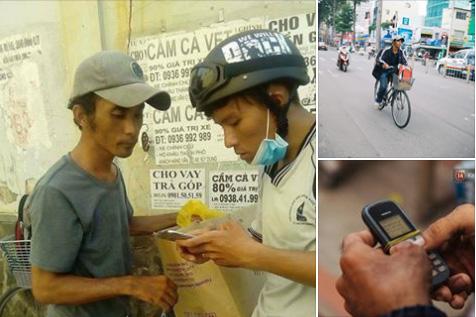 Chàng shipper khuyết tật, đạp xe hàng chục cậy số mỗi ngày kiếm tiền chữa bệnh cho mẹ già 1