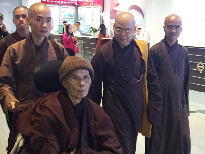 Hình ảnh Thiền sư Thích Nhất Hạnh về Việt Nam số 1