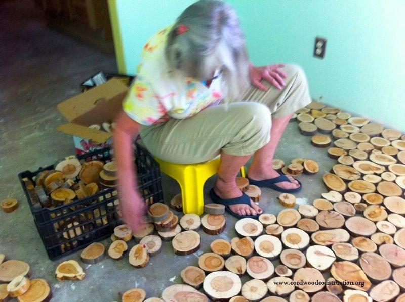Hình ảnh Xin cây đổ về đầy nhà, ông lão khiến ai cũng trầm trồ khi nhìn thấy thành quả số 2