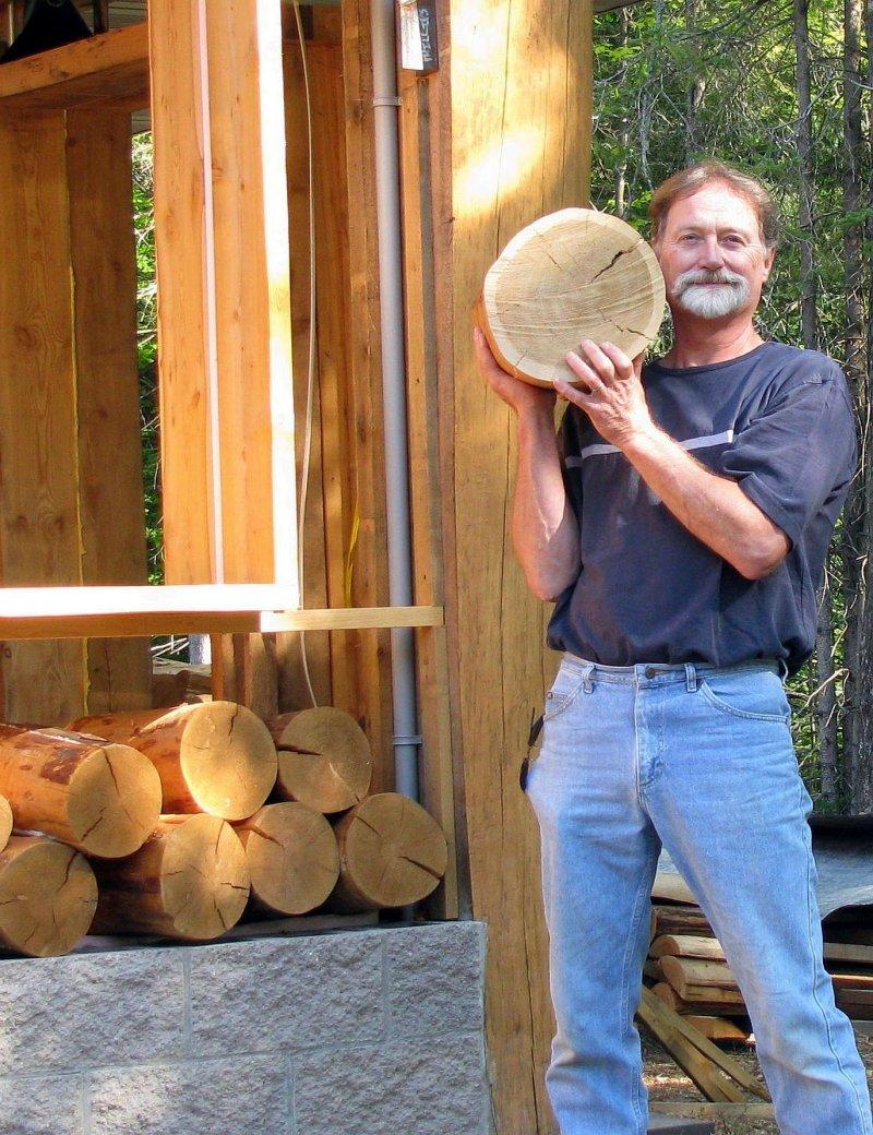 Hình ảnh Xin cây đổ về đầy nhà, ông lão khiến ai cũng trầm trồ khi nhìn thấy thành quả số 1