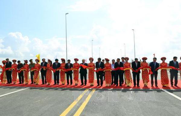 Việt Nam đưa vào sử dụng cầu vượt biển dài nhất Đông Nam Á 1