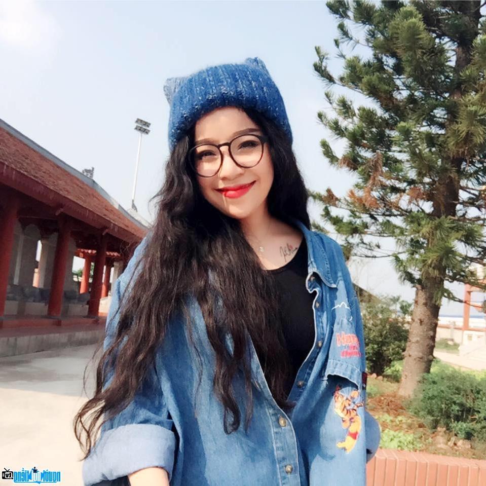 Minh Chuyên nghẹn ngào hát về Mẹ nhân dịp lễ Vu Lan 2