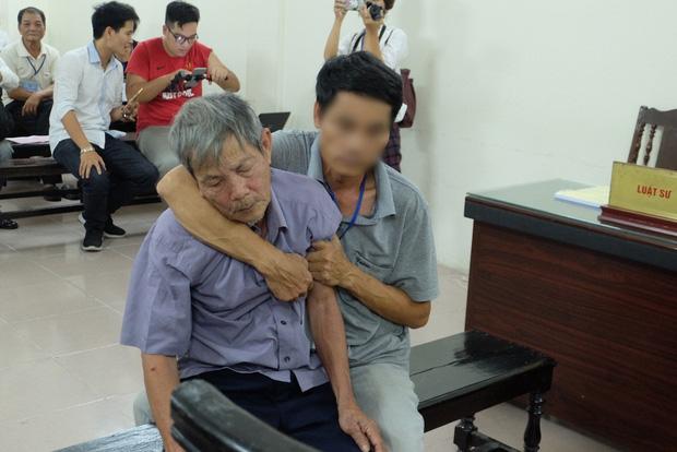 Tâm sự xúc động của người thân cụ ông 79 tuổi bị phạt 8 năm tù vì hiếp dâm bé gái 1