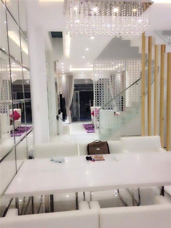 Hình ảnh Ngắm căn hộ xa hoa 9.5 tỷ đồng của chị gái Ngọc Trinh số 3