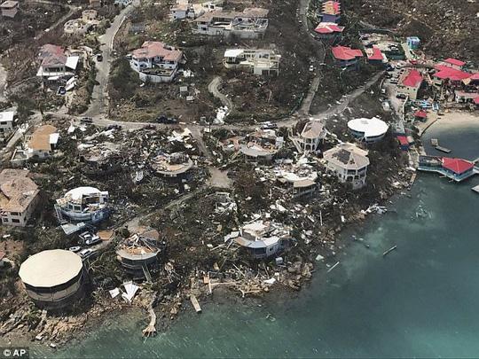 Bão Irma thổi bay nhà tù, hơn 100 tù nhân trốn thoát 1
