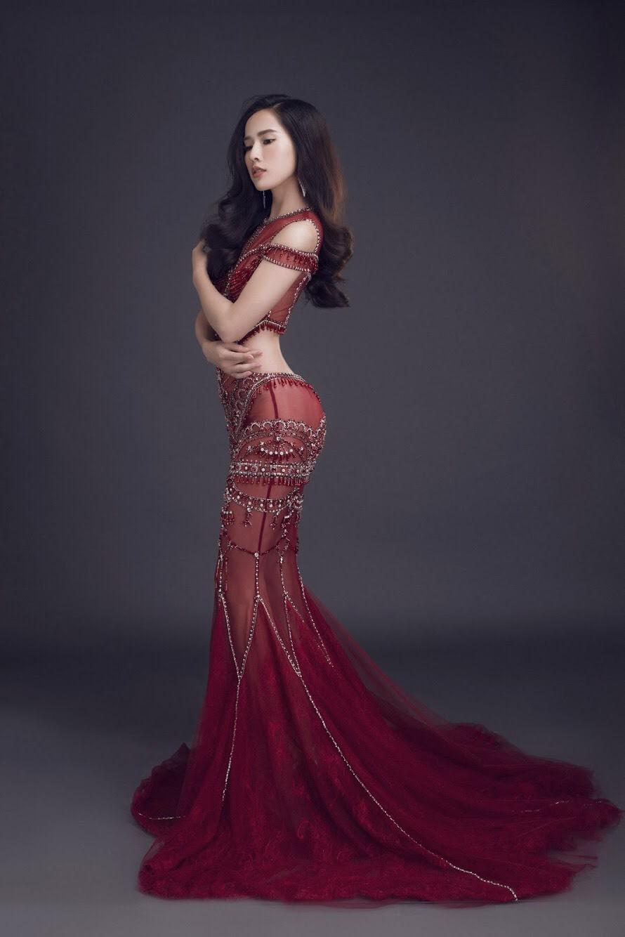 Hình ảnh Nữ hoàng nước mắt của điện ảnh Việt khoe body nóng bỏng số 5