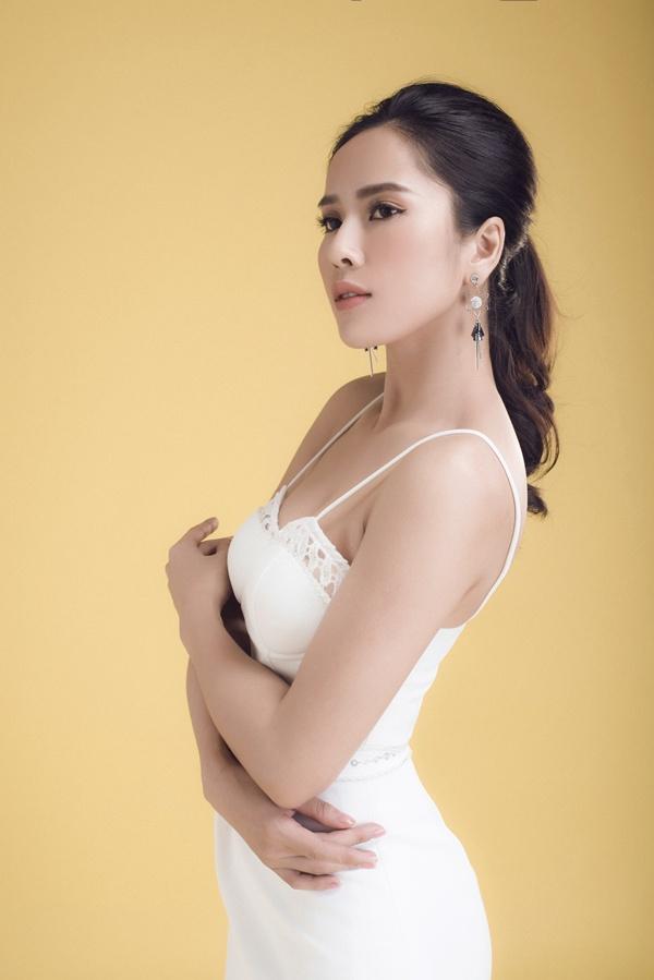 Hình ảnh Nữ hoàng nước mắt của điện ảnh Việt khoe body nóng bỏng số 9