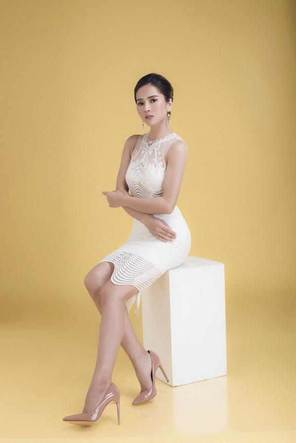 Hình ảnh Nữ hoàng nước mắt của điện ảnh Việt khoe body nóng bỏng số 3