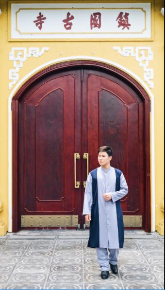 Bộ ảnh lễ chùa giản dị của cặp đôi MC Lê Anh, Mỹ Vân 7