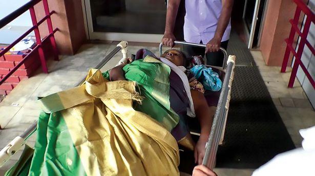 Hình ảnh Cô gái bất ngờ sống dậy sau khi bị đưa vào nhà xác khiến nhiều người hoảng sợ số 2