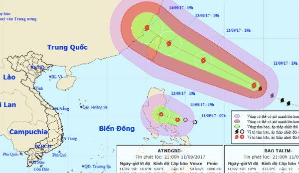 Siêu bão cùng áp thấp hoạt động sát biển Đông  1