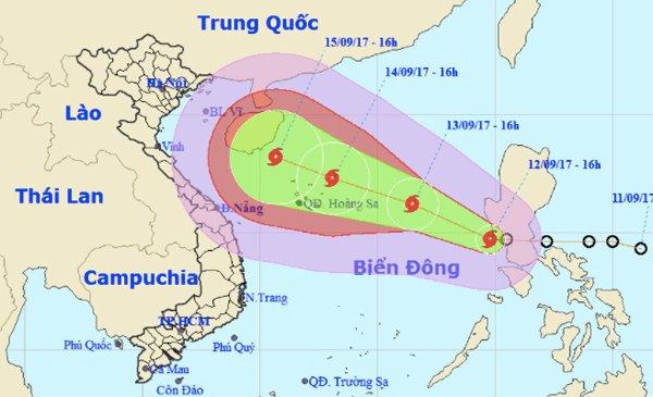 Tin bão mới nhất: Bão số 10 liên tục tăng cấp, hướng vào Việt Nam 1