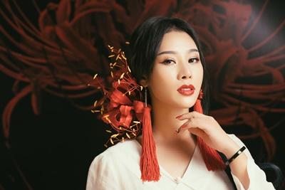 Hình ảnh Vợ NSƯT Việt Hoàn gây sốt khi hoá thân ma mị cover nhạc phim Tam sinh tam thế số 2