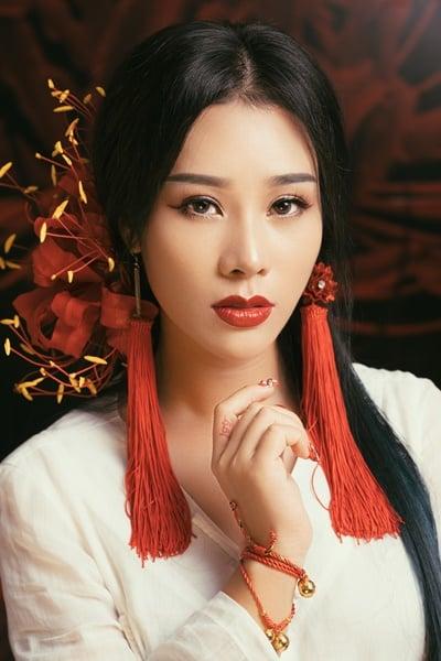Hình ảnh Vợ NSƯT Việt Hoàn gây sốt khi hoá thân ma mị cover nhạc phim Tam sinh tam thế số 3