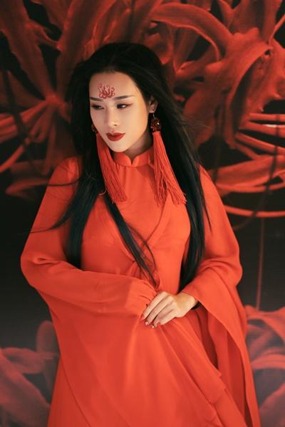 Hình ảnh Vợ NSƯT Việt Hoàn gây sốt khi hoá thân ma mị cover nhạc phim Tam sinh tam thế số 5
