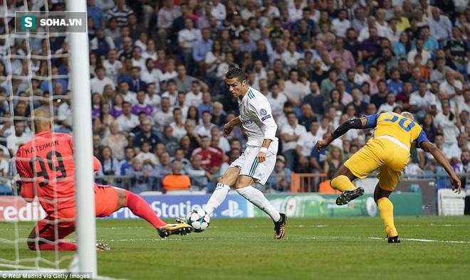 Hình ảnh Ronaldo rực sáng, xua tan mây mù bao phủ Real Madrid số 1