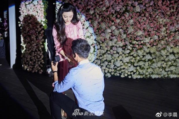 Phạm Băng Băng rơi nước mắt khi được Lý Thần cầu hôn trong ngày sinh nhật 1