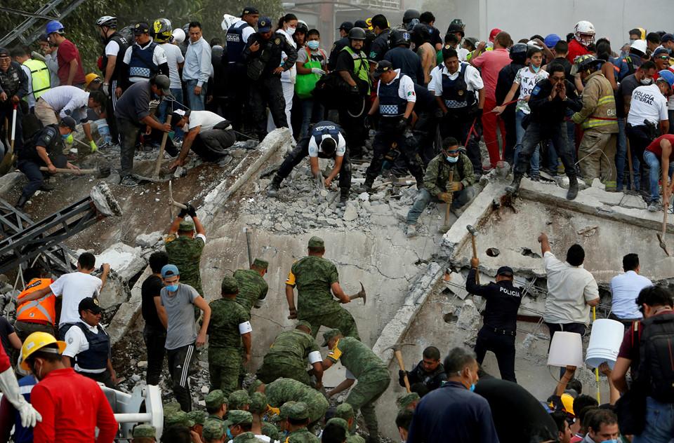 Có thể gần 1.000 người đã thiệt mạng trong động đất kinh hoàng ở Mexico  2
