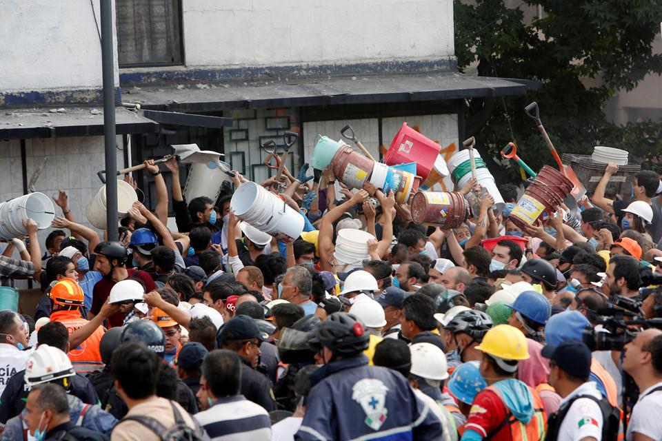 Có thể gần 1.000 người đã thiệt mạng trong động đất kinh hoàng ở Mexico  4