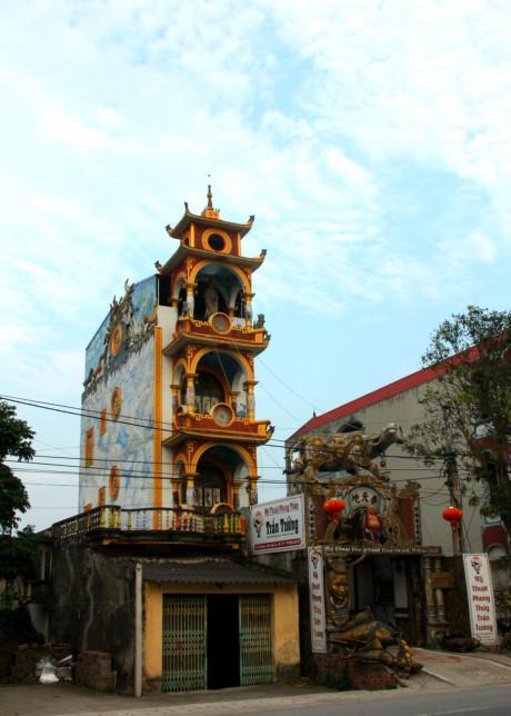 Cận cảnh những ngôi nhà kì quái ở Việt Nam 4
