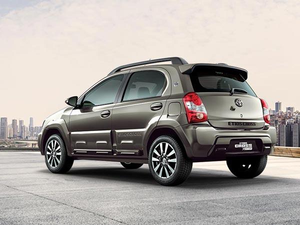 Cận cảnh chiếc xe Toyota giá rẻ kỷ lục chỉ 240 triệu đồng 2