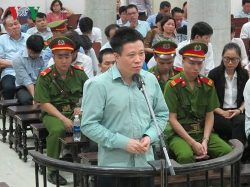 Cựu chủ tịch OceanBank Hà Văn Thắm nói lời sau cùng tại tòa án 1
