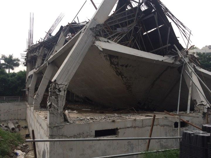 Trường mầm non đang thi công bất ngờ đổ sập trong đêm  1